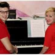 Фото: Уроки игры на фортепиано для начинающих взрослых