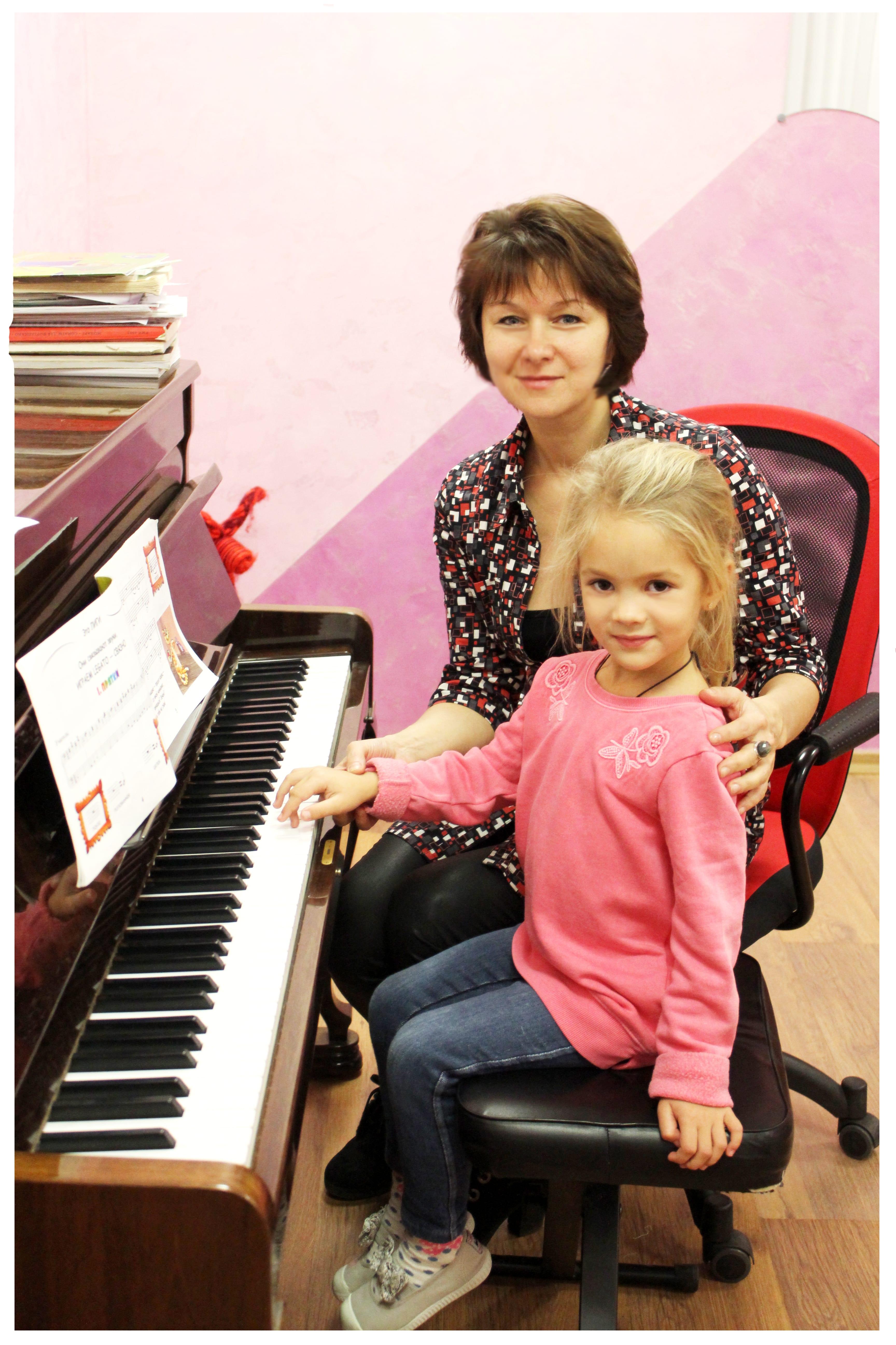 Фото: Обучение игры на пианино