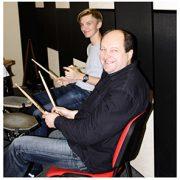 Фото: Обучение игре на барабанах в Москве
